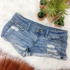 AEO Distressed Light Wash Low Rise Jean Shorts